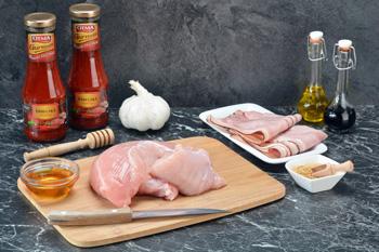 Grilované krůtí kousky ve slanině