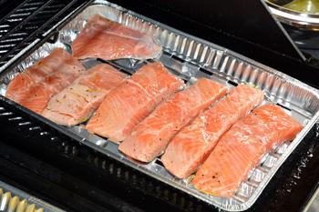 Grilovaný losos v citronové marinádě