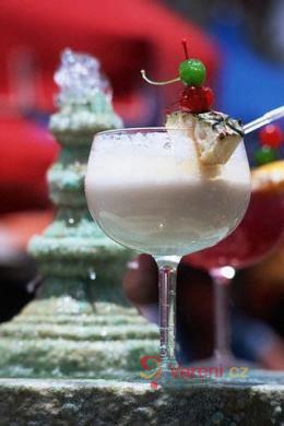 Silvestrovská koktejlová party