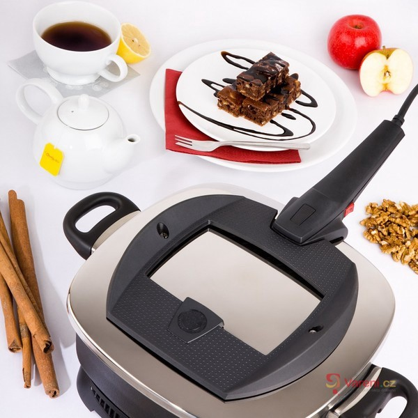 Titanium Manta Ray Oven - moderní pečení