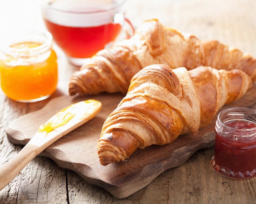 Skvělé recepty na domácí pečivo: Upečte si voňavé rohlíky, dalamánky a croissanty