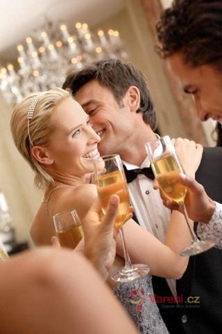 Správný výběr vína na slavnostní stůl