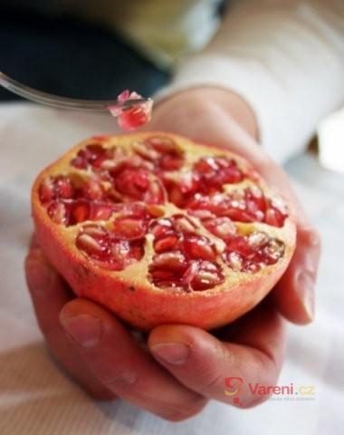 Granátové jablko - šťavnatá zrníčka