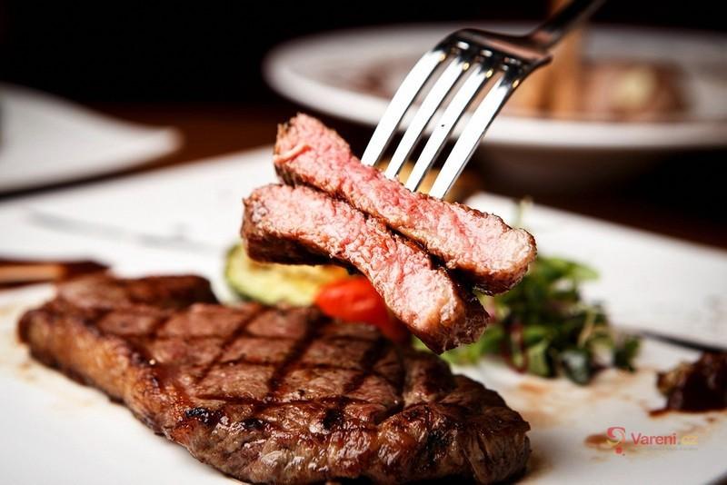 Dokonalý hovězí biftek: Jak na to, aby byl opravdu šťavnatý?