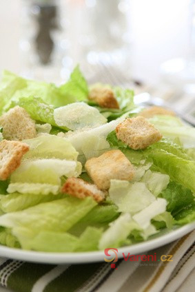 Co frčí v českých restauracích? Salát Caesar!