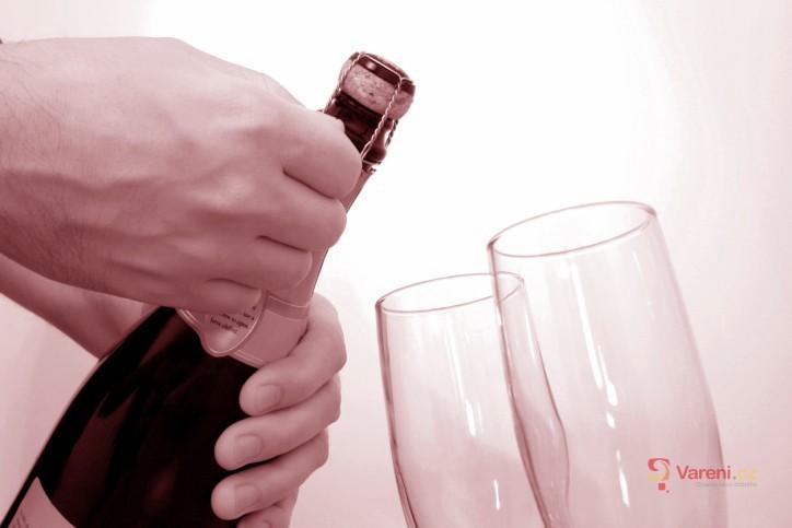 Test šumivých vín za stovku
