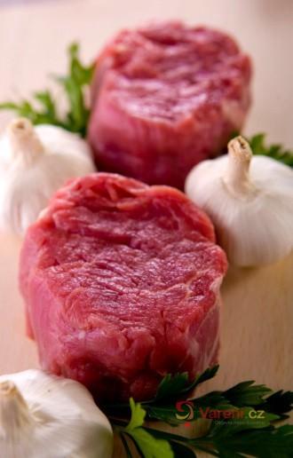 Kupujeme hovězí maso: Víte, jak upravit hovězí roštěnec, kližku či plec?