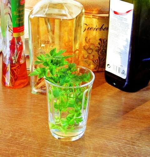 Vyrobte si domácí bylinkový ocet