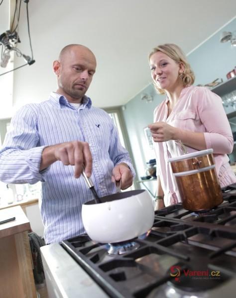 Když vaří táta: Husa s aromatickou nádivkou