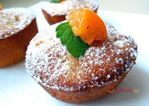 Pečeme s meruňkami: Recept na meruňkové muffiny krok za krokem