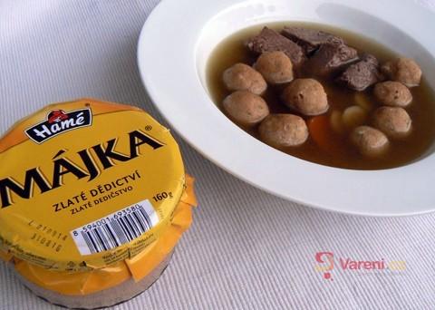 Recept na polévku s játrovými knedlíčky z paštiky