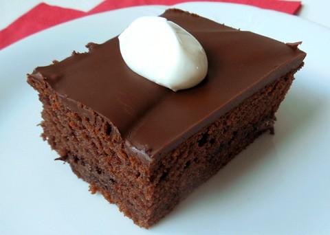 Recept na hrnkový jogurtový koláč s čokoládou krok za krokem