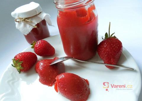 Recept na jednoduchou jahodovou marmeládu krok za krokem