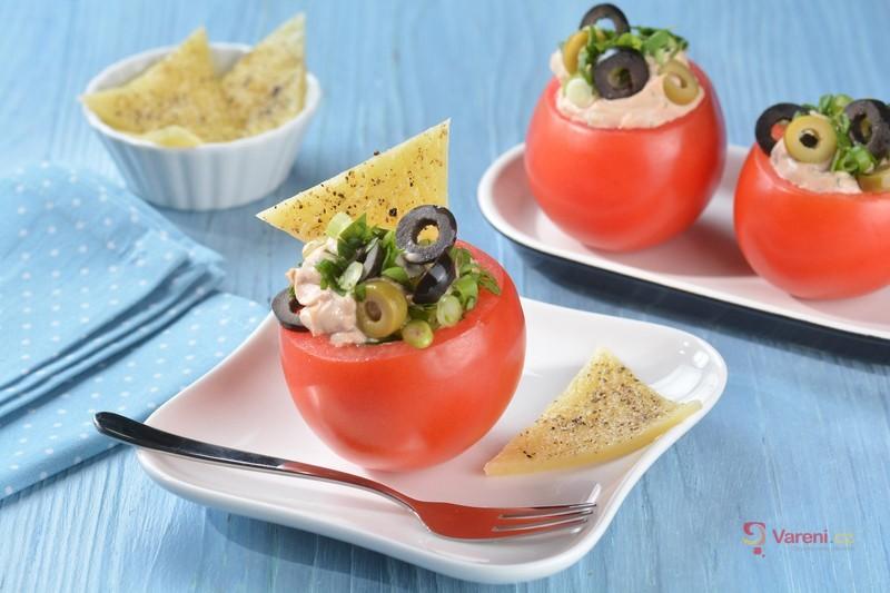Recept na rajčata nadívaná tuňákovou pomazánkou