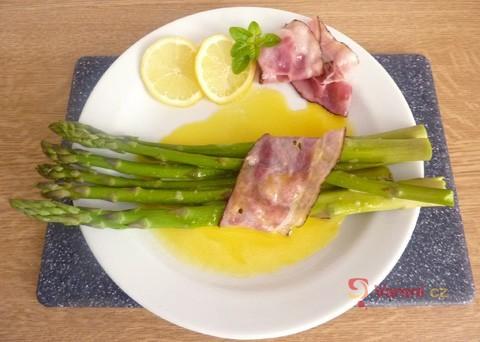 Recept na chřest ve slaninovém kabátku s holandskou omáčkou krok za krokem