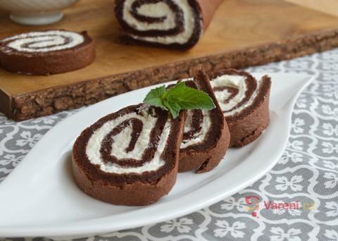 Recept na kakaovou roládu se šlehačkou krok za krokem