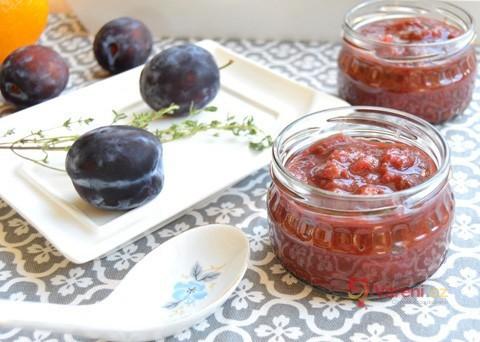 Recept na švestkové čatní krok za krokem