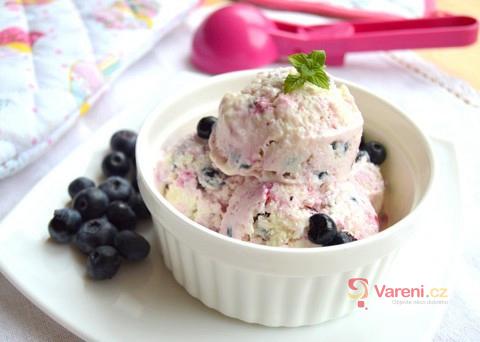 Poctivá domácí zmrzlina: Jogurtová s borůvkami chutná božsky!
