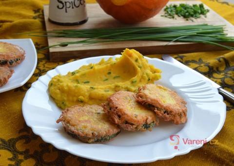 Recept na smaženou cuketu v sýrovém těstíčku s dýňovým pyré