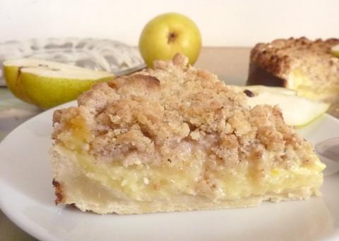 Tip na neděli: Jemný hruškový koláč se skořicí