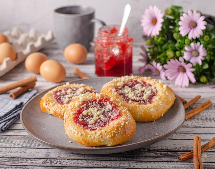 Odlehčete spíž a zlikvidujte zásoby ořechů i zavařenin: Tipy na sladké náplně do koláčů a buchet