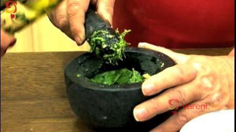 Bazalkové pesto k těstovinám