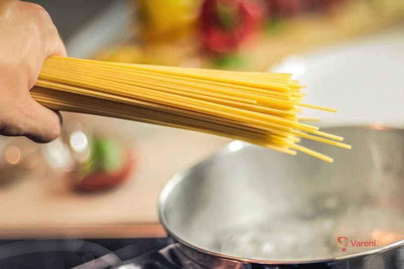 Jak na špagety Aglio Olio e Peperoncino, aby byly al dente a chuťově skvělé