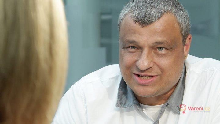 Roman Vaněk: Kuřata plná hormonů neexistují. Žijeme v mýtech