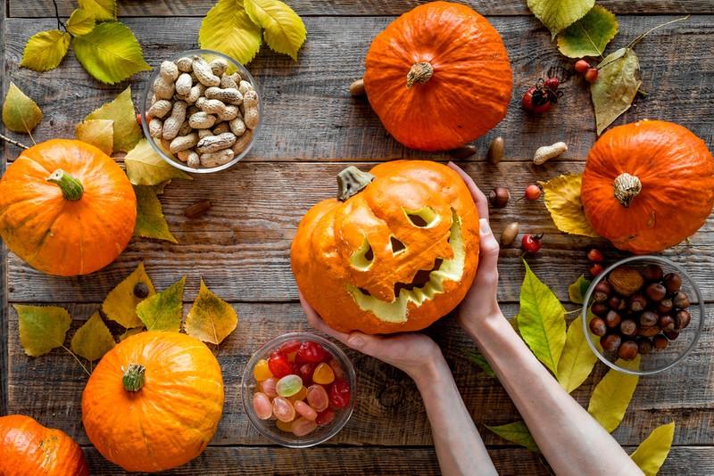 Videonávod: Jak si vyřezat strašidelnou halloweenskou dýni?