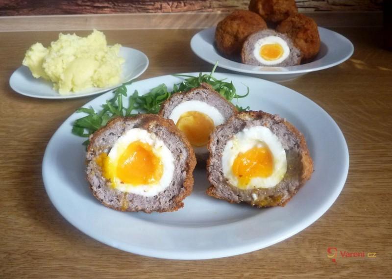 Mleté maso v nejlepší podobě: Recept na skotská vejce krok za krokem