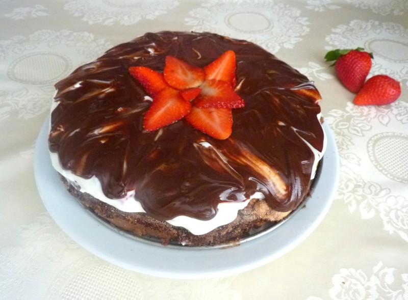 Bezlepkový Míša dort s jahodami krok za krokem