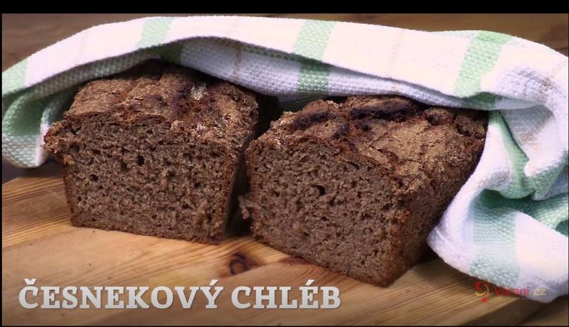 Videorecept: Česnekový chléb