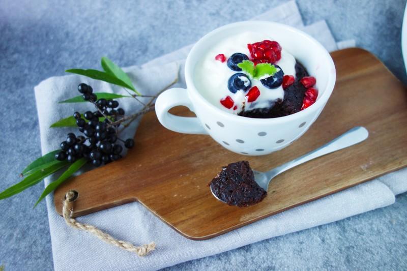Snadný a rychlý dezert: Brownie mug cake krok za krokem