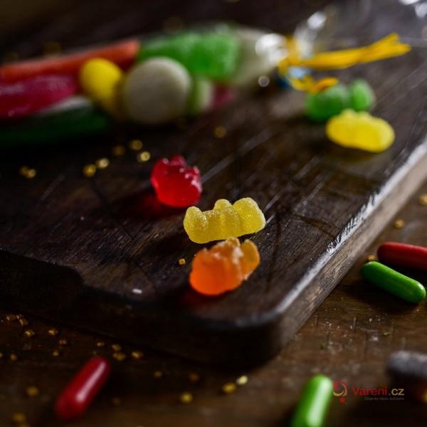 Rychlé a zdravé mlsání na halloweenskou párty? Zkuste si doma vyrobit gumové medvídky jen ze tří ingrediencí!