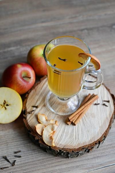 Zkuste si připravit na zimu teplé kořeněné nápoje podle Češky z Česka
