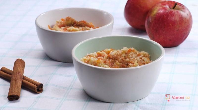 Videorecept: Rýžová kaše s dýní a jablky - připravte si snídani, která pohladí žaludek a perfektně zasytí