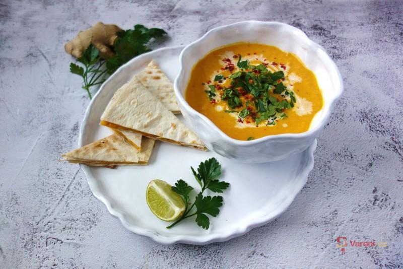 Výborná polévka z pečené mrkve krok za krokem