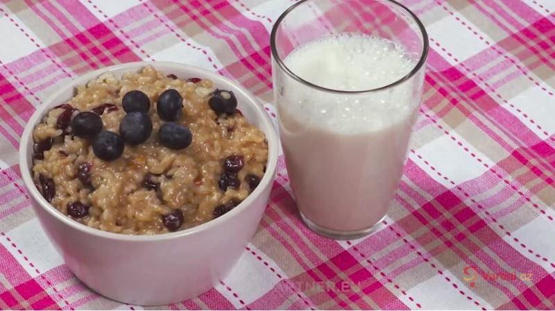Videorecept na vydatnou a zdravou snídani: Krémový rýžový pudink z mandlového mléka