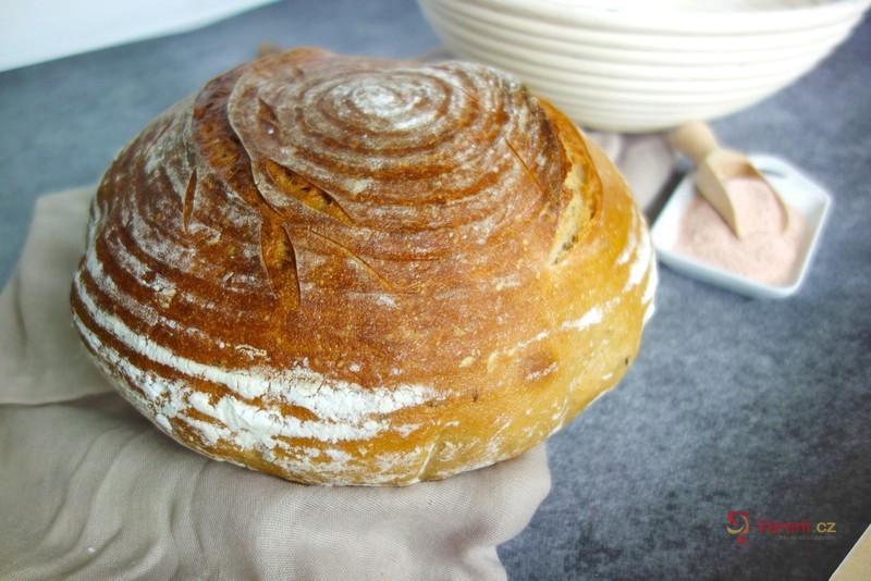 Recept na domácí kváskový chléb krok za krokem