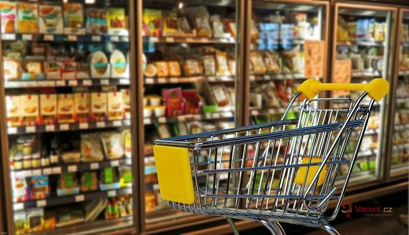 Hygiena při koronavirové pandemii: Jak bezpečně nakupovat a manipulovat s potravinami při vaření?