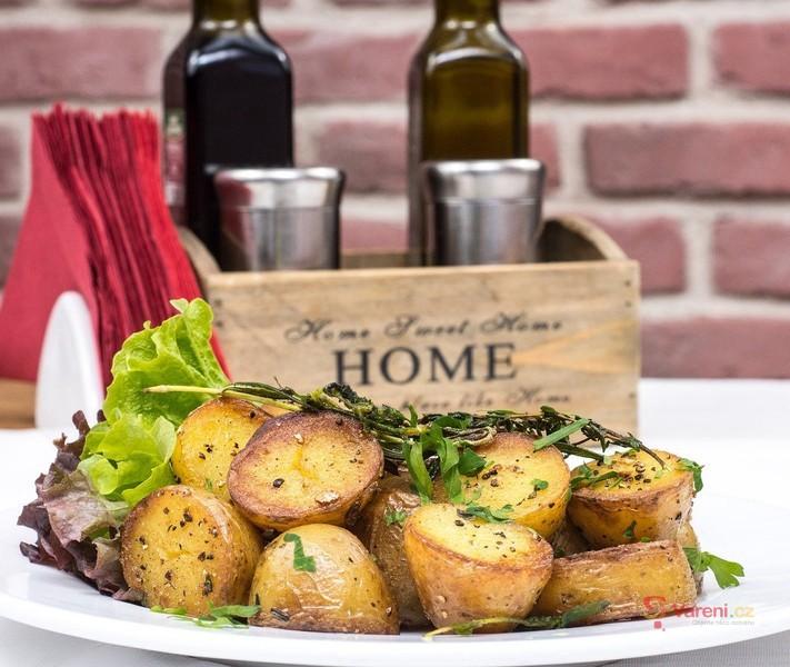 V hlavní roli brambory: Levné a rychlé recepty na celý týden