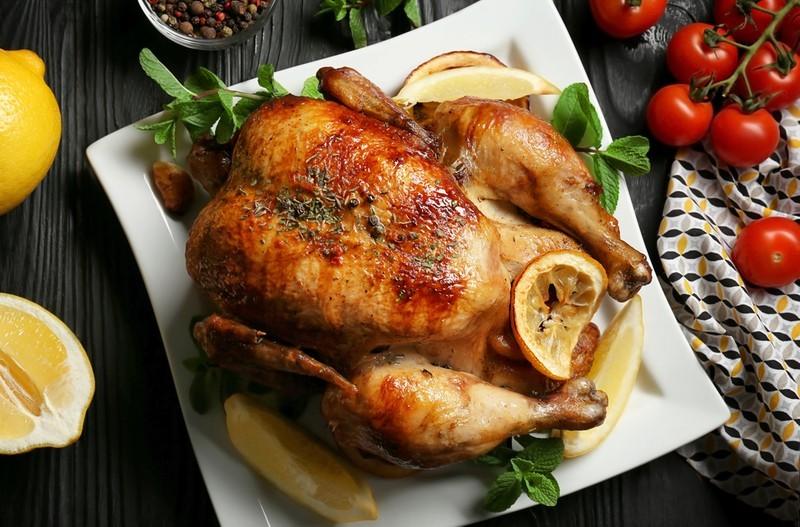 8 dokonalých receptů na pečené kuře