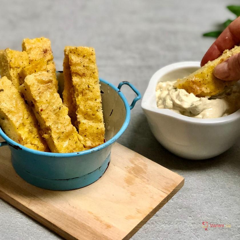 Tip na veganskou svačinku: Pečená polenta s dipem krok za krokem