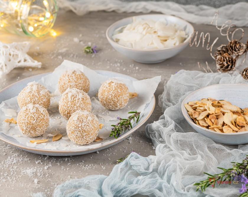 Ořechové, kokosové i s čokoládou: Ty nejlepší recepty na cukroví podle oblíbené suroviny