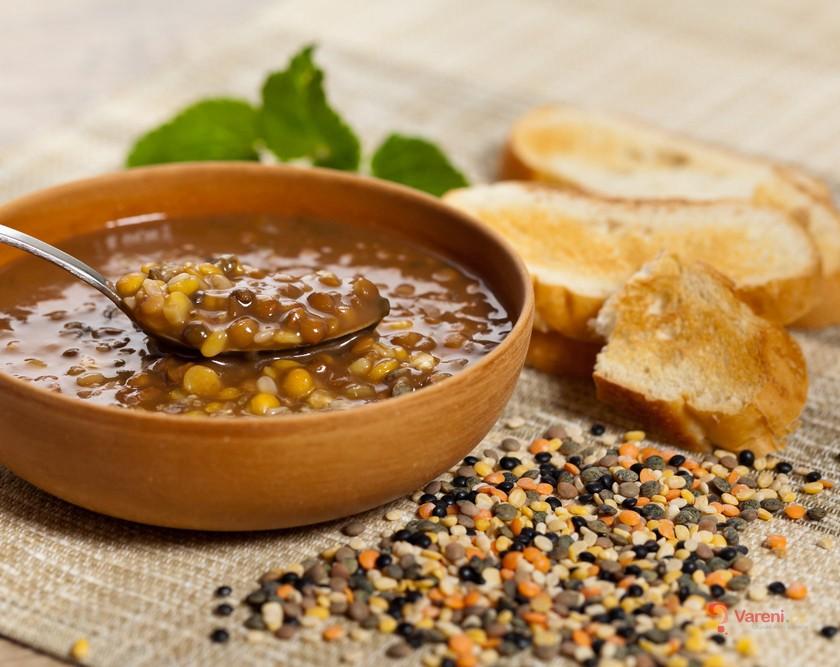 Čočková polévka: Vynikající tradiční recepty a čočkové krémy s nádechem exotiky