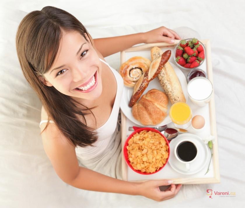 Nechte se rozmazlovat: 8 tipů na snídani do postele