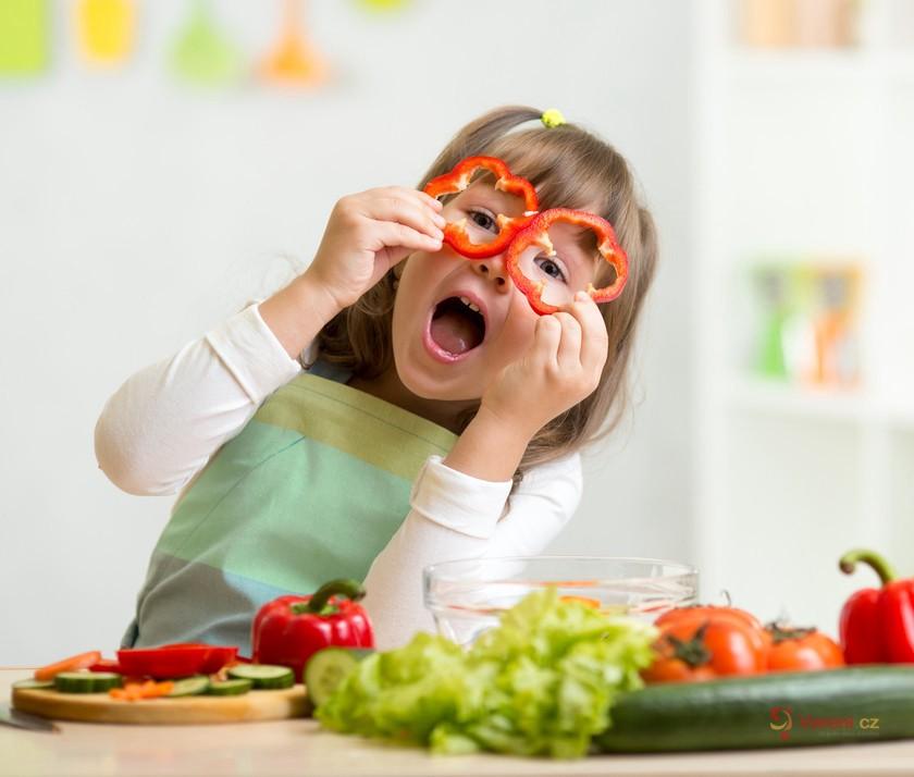 Jak to doma přežít? Tipy na každodenní vaření pro děti v době lockdownu