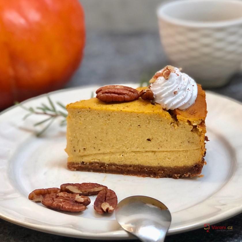 Luxusní podzimní dýňový dort s pekanovými ořechy krok za krokem