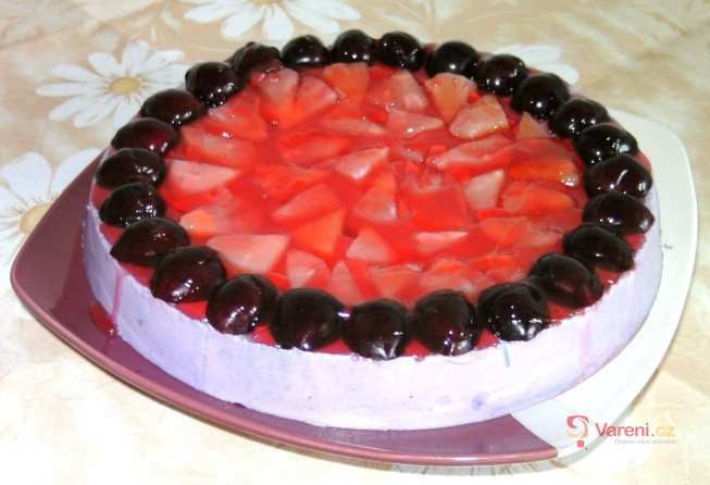 Ananasovo-třešňový dort