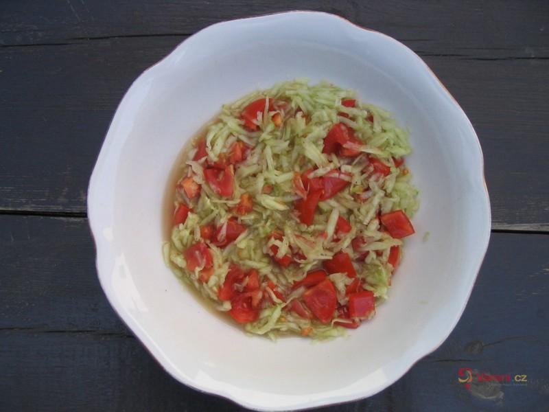 Okurkový salát s rajčaty